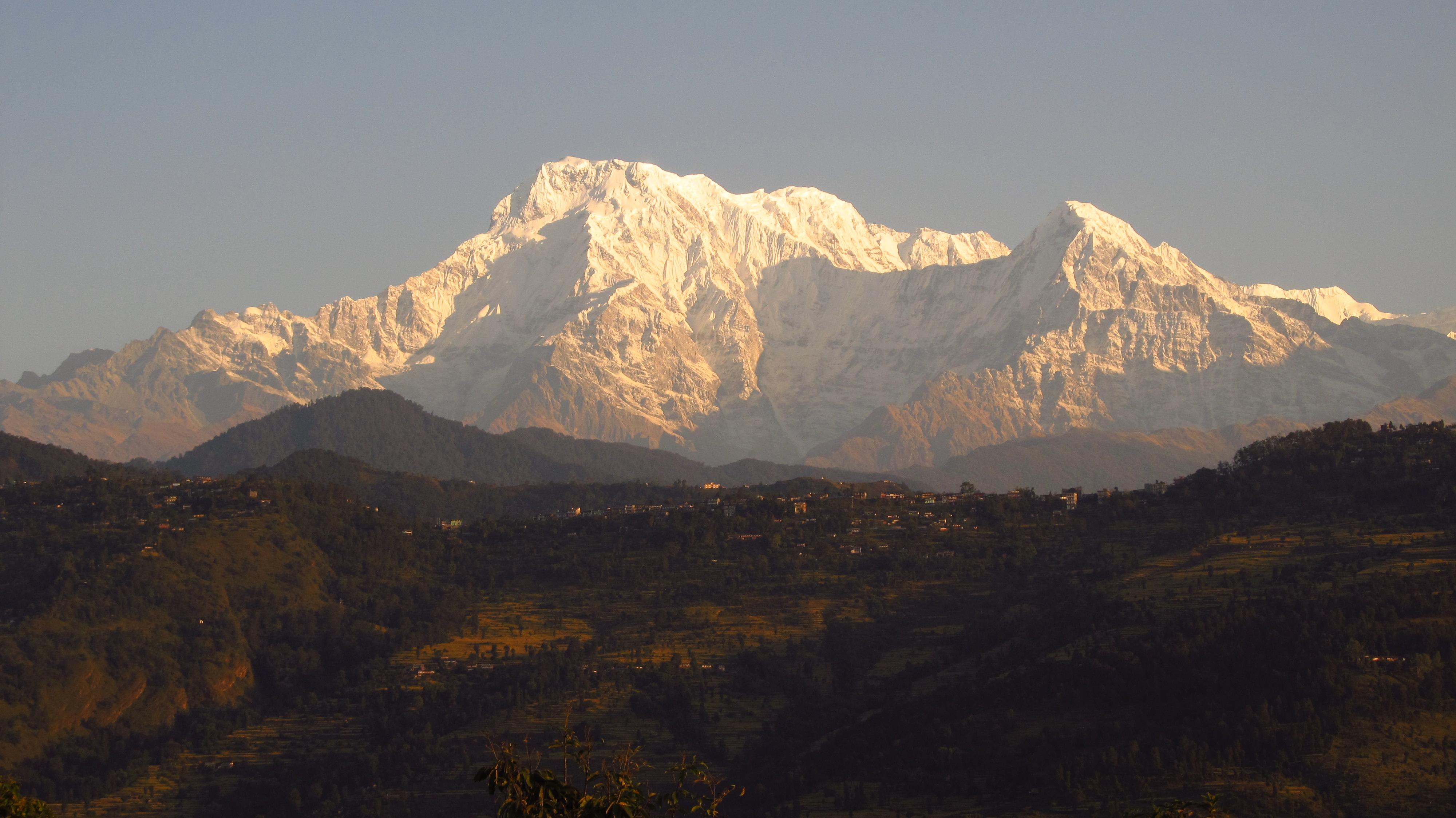 Annapurna volunteer trek