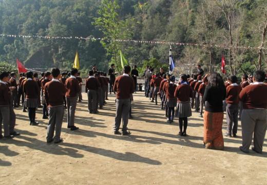 3 weeks volunteer + a week Nepal tour at $ 900