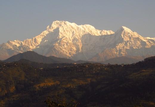 3 week volunteer + 3 week Annapurna trek at $1200